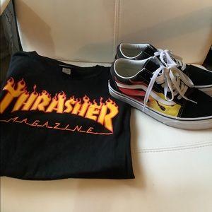 BUNDLE Thrasher S TShirt + Vans Flame 7.5 Sneakers